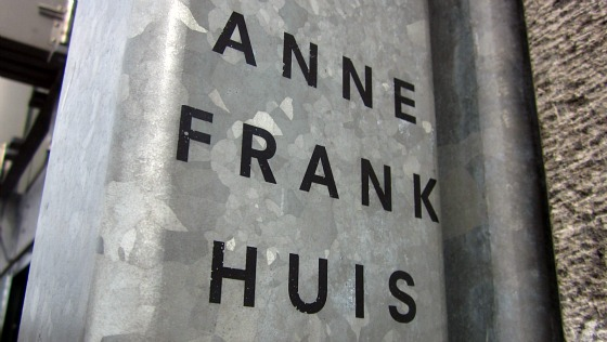 Amsterdam Anne Frank Huis sign (www.free-city-guides.com)