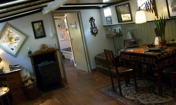 Amsterdam Houseboat Museum inside