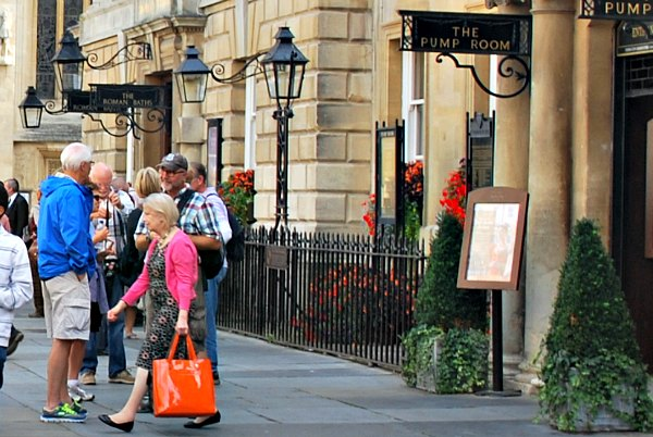 Bath Walking Tours start