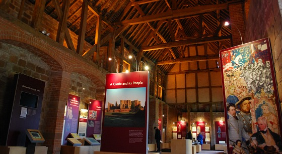 Kenilworth Castle visitors centre (www.free-city-guides.com)
