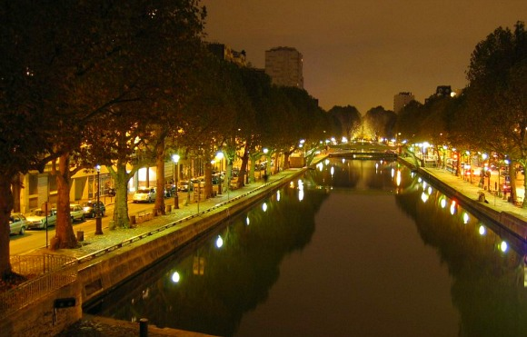 Paris Canal st martin night