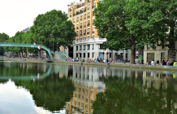 canal saint martin paris paris boat trips. Black Bedroom Furniture Sets. Home Design Ideas