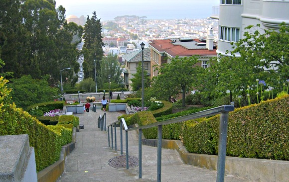 San Francisco Pacific Heights Stairs View (www.free-city-guides.com)