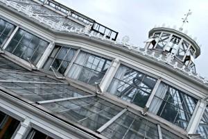 Copenhagen Botanical Gardens glasshouse exterior (www.free-city-guides.com)