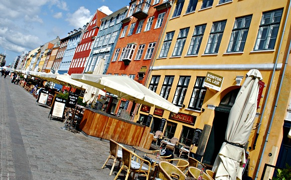 Copenhagen Nyhavn restaurants (www.free-city-guides.com)