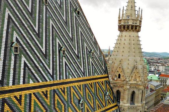 Vienna Stephansdom roof tiles