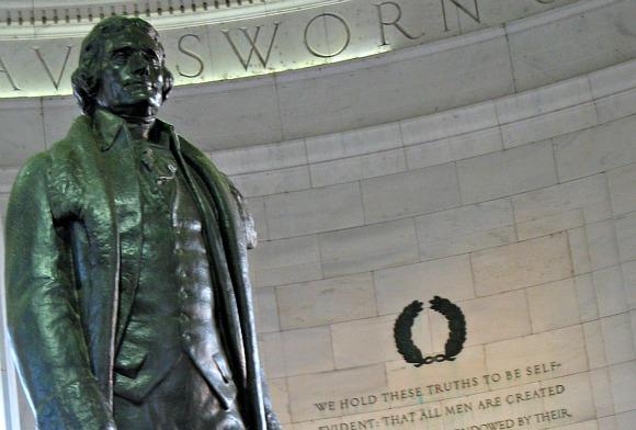 Washington Jefferson Memorial statue