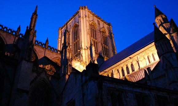 York Minster Centre Tower Night (www.free-city-guides.com)
