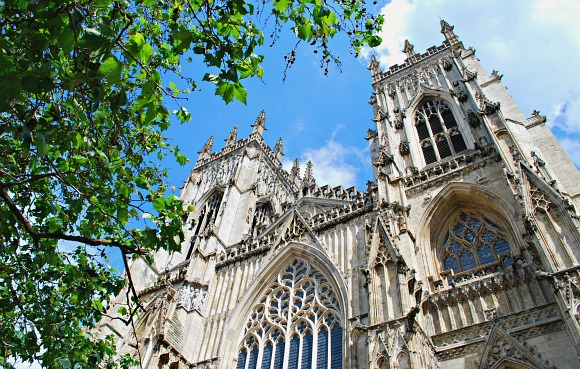 York Minster front towers (www.free-city-guides.com)