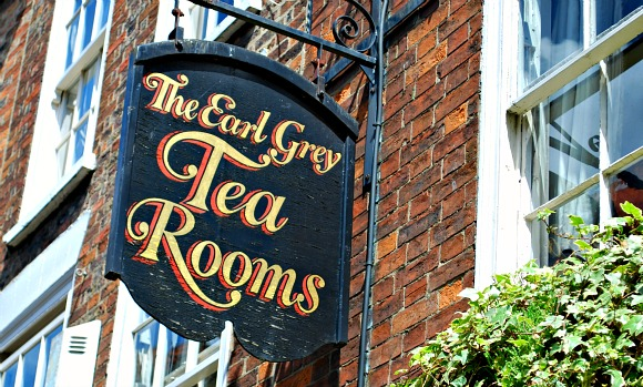 York Shambles Tea Room sign (www.free-city-guides.com)