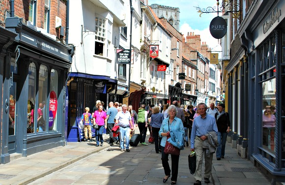 York Stonegate Shopping Street (www.free-city-guides.com)