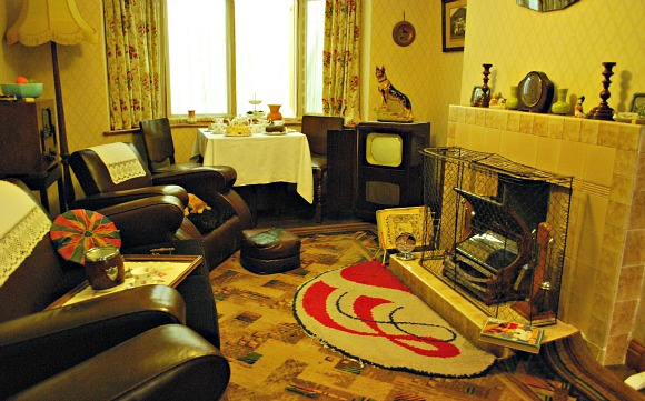 York Castle Museum 1950s Front Room (www.free-city-guides.com)