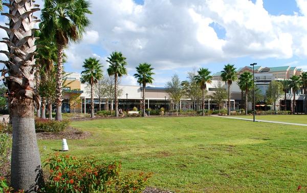 Orlando Florida Mall external (www.free-city-guides.com)