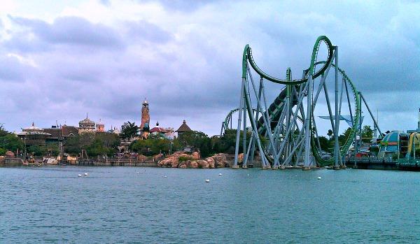 Orlando Universal Hulk (www.free-city-guides.com)