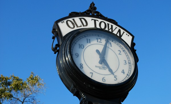 Orlando Old Town Clock (www.free-city-guides.com)
