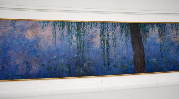 Paris Jardin du Tuileries Orangerie Monet Waterlillies (www.free-city-guides.com)