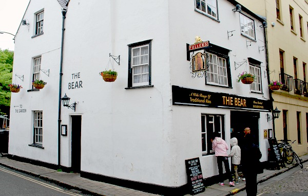 Oxford Bear Pub (www.free-city-guides.com)