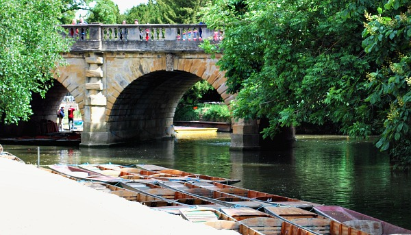 Oxford Boating bridge (www.free-city-guides.com)