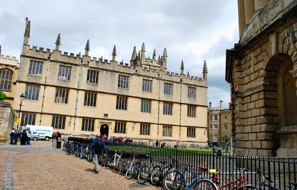 Oxford Bodleian Bikes (www.free-city-guides.com)