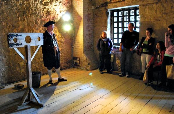 Oxford Castle Unlocked Tour (www.free-city-guides.com)