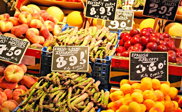 Oxford Covered Market fruit (www.free-city-guides.com)