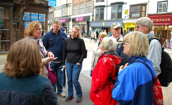 Oxford Walking Tours Corn Market (www.free-city-guides.com)