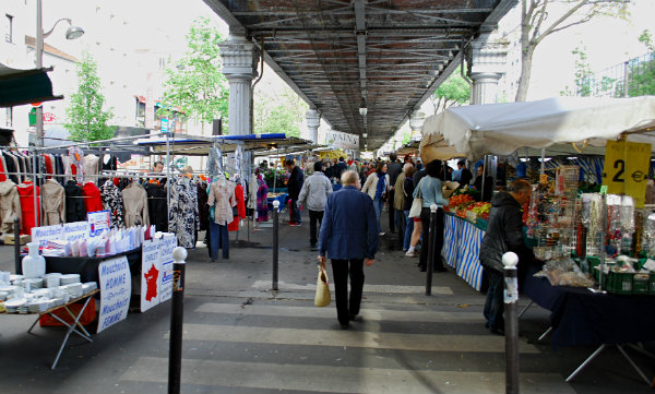 Paris Market Walkway (www.free-city-guides.com)