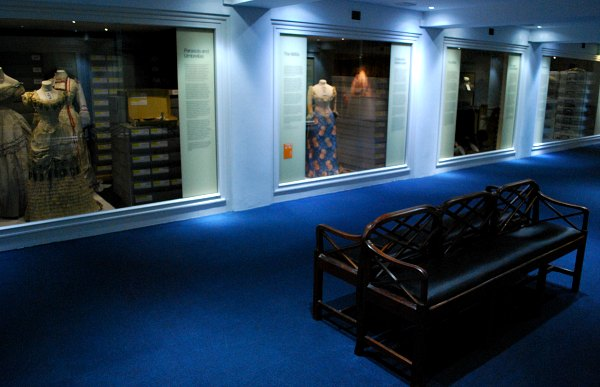Bath Fashion Museum stores