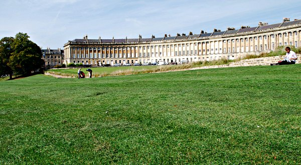 Bath Royal Crescent and park