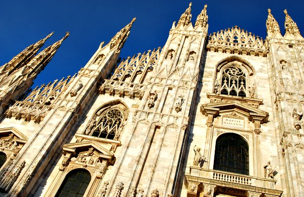 Milan Duomo Front Features