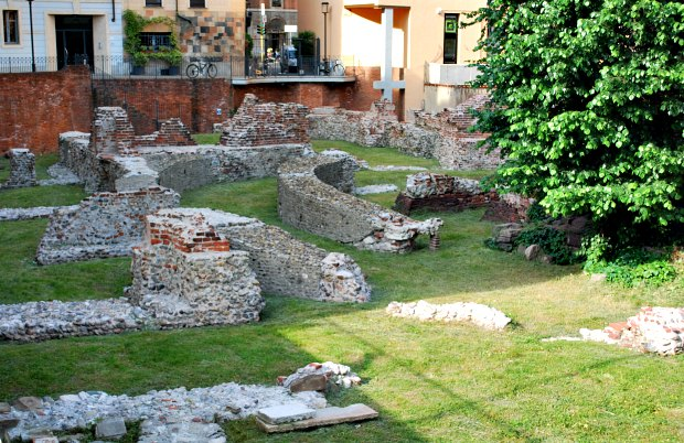 Milan Maria de Grazie ruins
