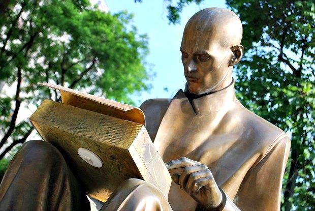 Milan Public Gardens Journalist statue