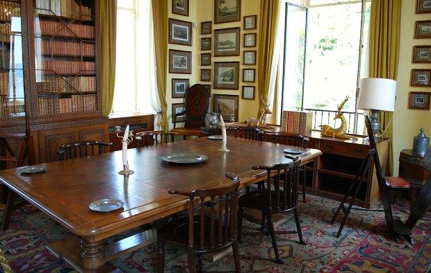 Como Villa del Balbianello dining room
