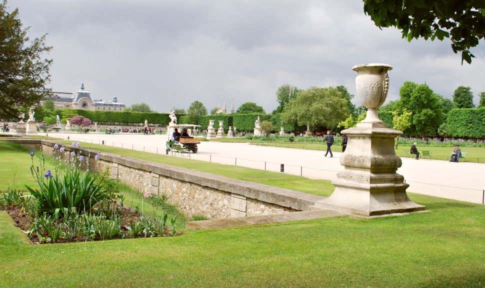 Paris Jardin De Tuileries wide new