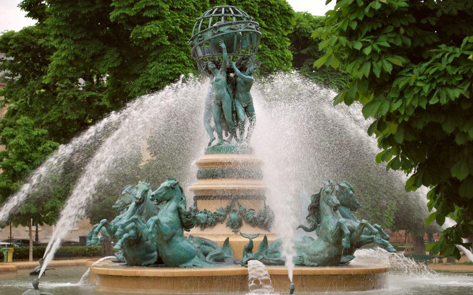 Paris Jardin du Luxembourg Fountain