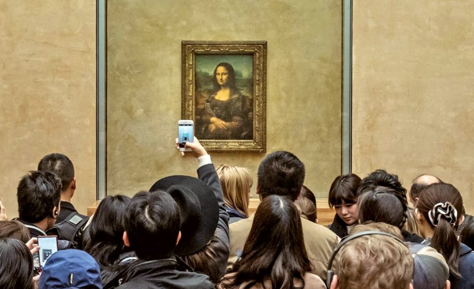 Paris Louvre Mona Lisa Crowds