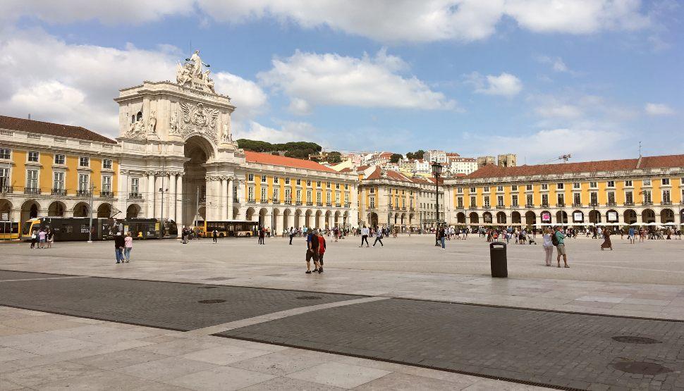 Lisbon Praca do Comercio wide