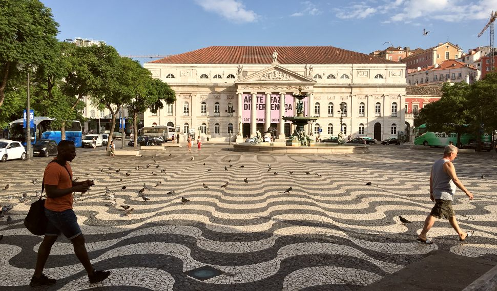Lisbon-Praca-do-Rossio-wide